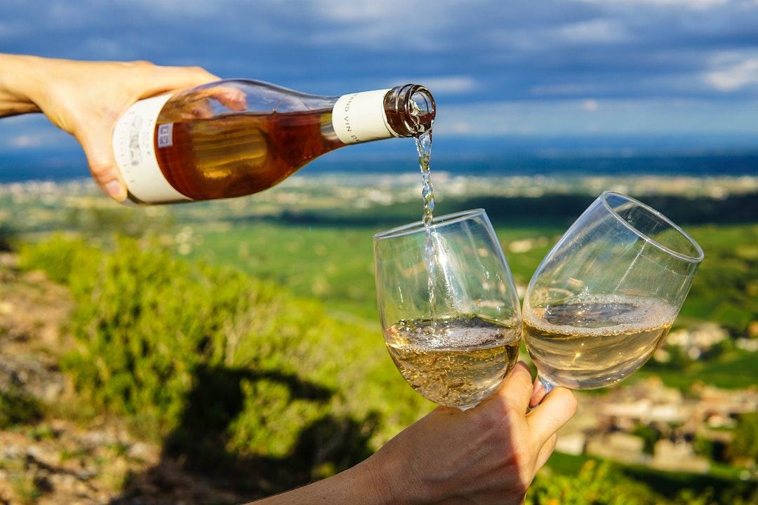 Produzione Vino e Bollicine Serbatoi - Impianti - Macchinari