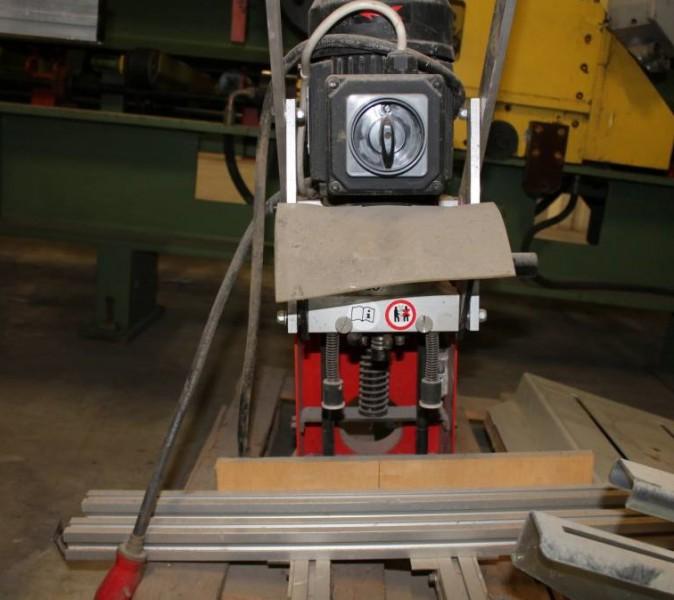 Industria legno ct553793 wurth duopress for Allestimento furgoni wurth