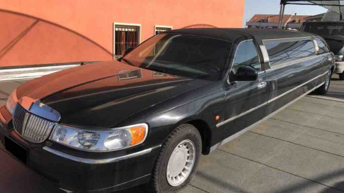 FORD LINCOLN TOWN CAR